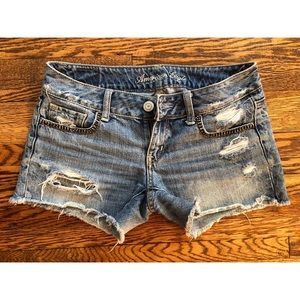 American Eagle lightly destroyed jean shorts